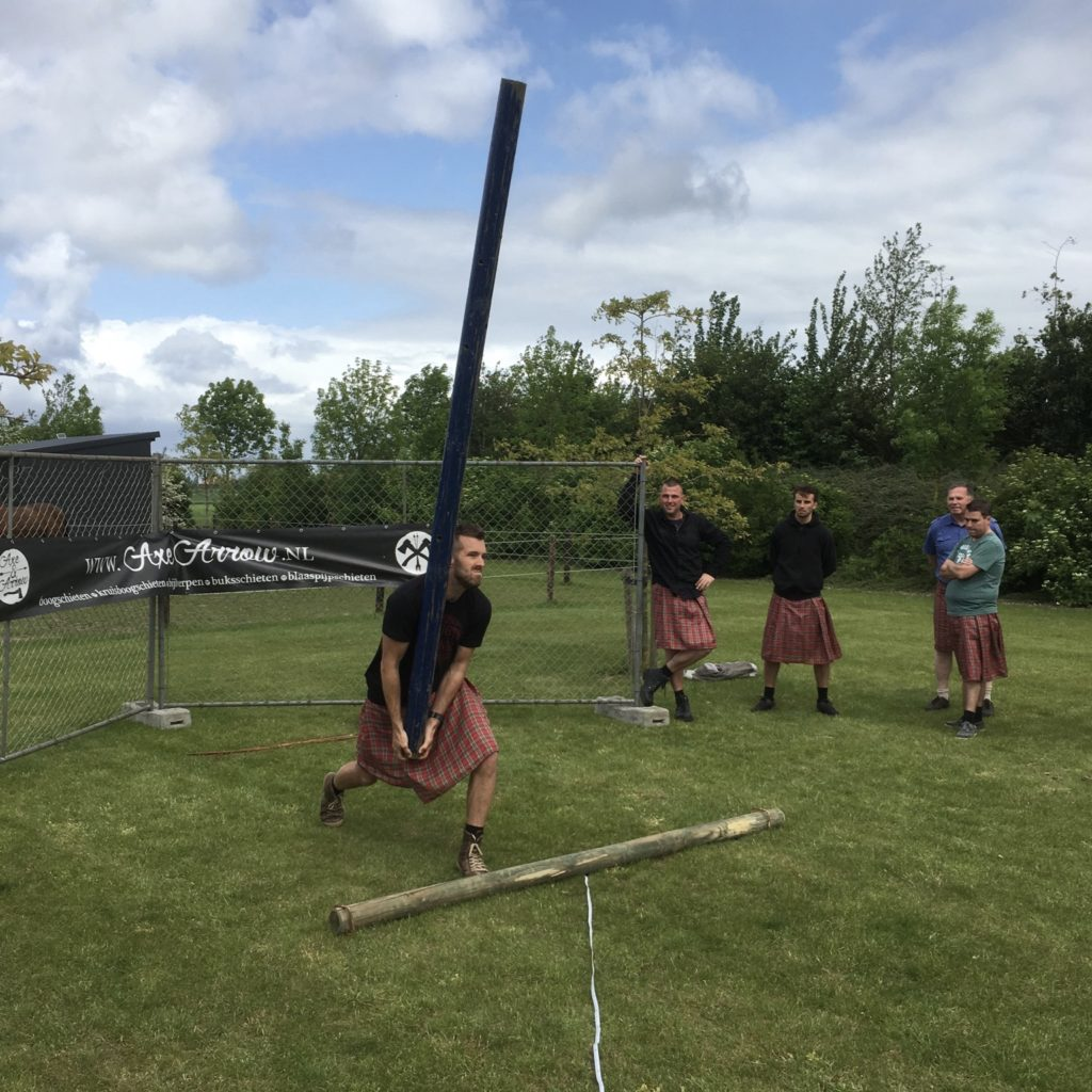 Caber_Toss_Axe&Arrow
